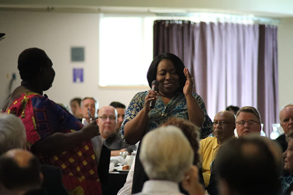 Dr. Akua Amponsah accepts the Help-at-Home Spirit Award at the LifeCare Alliance Volunteer Recognition event on Monday, April 30, 2018. Photo by Anthony Clemente, LifeCare Alliance.